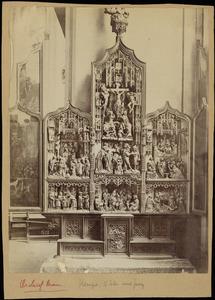 Scènes uit het leven van de H. Rochus (binnenzijde linkerluik); De aanbidding der herders, de besnijdenis, de heilige maagschap, de kruisiging, de aanbidding der Wijzen, de dood van Maria (middendeel); Scènes uit het leven van de HH. Cosmas en Damian (binnenzijde rechterluik)