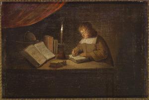 Een jongen, bij kaarslicht schrijvend in een boek