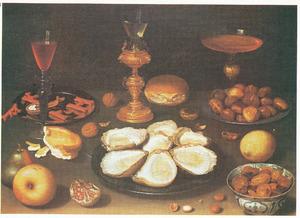 Stilleven met oesters, vruchten, noten en glaswerk