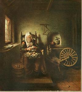 Oude vrouw appels schillend naast een spinnewiel