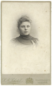 Portret van Jeannet de B. Ledeboer