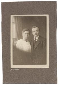 Portret van Kees Hartman (1889-1958) en Martje Iwema (1891-...)