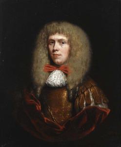 Portret van een man met blonde pruik