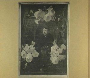 Bloemenkrans rond een portret van een franciscaner monnik