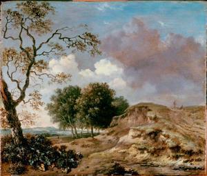 Duinlandschap met eiken en twee figuren op een zandweg