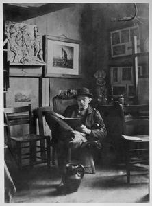 Hendricus Petrus Bremmer in zijn atelier te Leiden