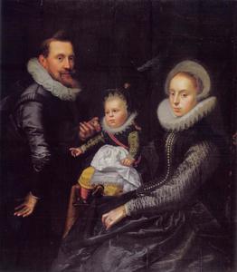 Portret van een echtpaar met hun zoontje