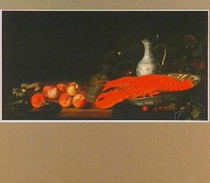 Stilleven met kreeft, porselein, perziken, druiven en schelpen