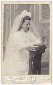 Portret van Betsy Regout