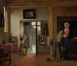 Vrouw die een bed opmaakt en kind in interieur