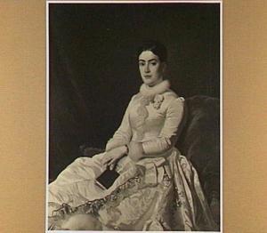 Portret van Anna van Vollenhoven (1862-19...), dochter van Willem Cornelis en Elisabeth Jacoba de Wildt, in bruidsjurk