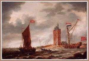 Riviergezicht met schepen bij een versterkte toren op een landtong
