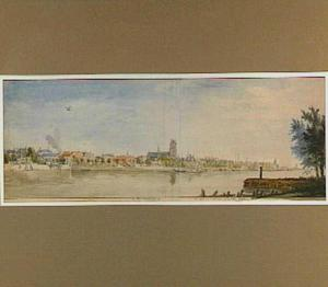 Dordrecht vanaf Zwijndrecht gezien, met in het midden de Grote Kerk