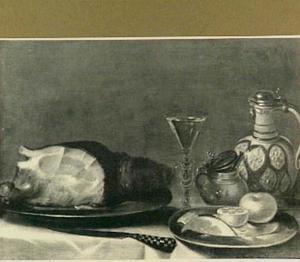 Stilleven met ham, kruik en wijnglas