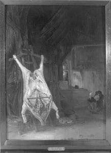 Geslacht varken in een stal met twee spelende kinderen