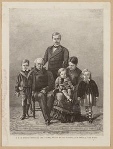 Portret van Frederik van Oranje-Nassau (1797-1881), Marie van Oranje-Nassau (1841-1910) en haar gezin