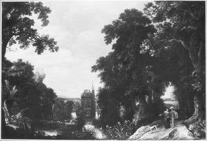 Bosachtig landschap met wandelend paar, in de verte een kasteel