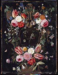 Gebeeldhouwde cartouche versierd met bloemen