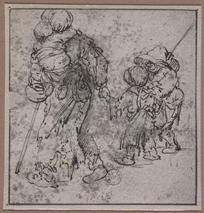 Lopende zigeunerin met kind op de rug en twee kinderen