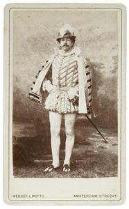 Portret van Willem van Son (1860-1955) als Heer van Ghybrèchies