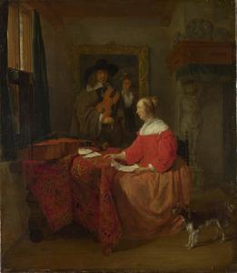 Man die zijn viool stemt en vrouw met bladmuziek