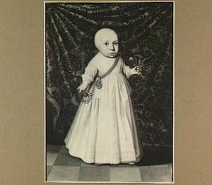 Portret van een kind met bloem in de hand
