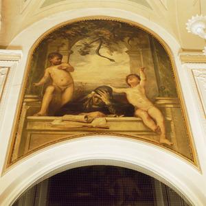 Allegorische voorstelling met lezende oude vrouw, twee kindertjes en een slang