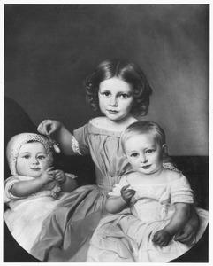 Portret van Ludolphine Cornelie van Valkenburg (1843-1869), Anna Catharina Elisabeth Teding van Berkhout (1850-1932) en Willem Philip Teding van Berkhout (1851-1905)