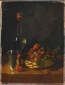 Stilleven met zilveren beker, fles en aardbeien
