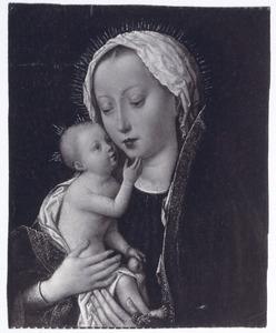 Maria met kind knuffelend