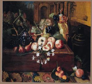 Stilleven met fruit op een houten kist