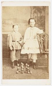 Portret van Jan Jacob Luden (1877-...) en Georgine Luden (1875-...)