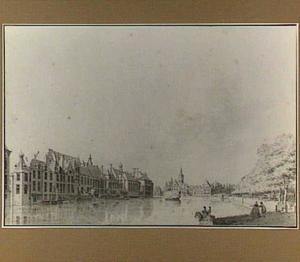 De Hofvijver met het Binnenhof in Den Haag gezien vanaf de Korte Vijverberg