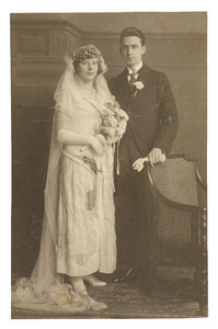 Portret van Theunis Anthonie Donkersloot (1899-...) en heynderina Aulman (1898-...)