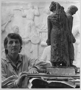 Portret van Fri Heil met beeld getiteld 'Lot en zijn dochters'