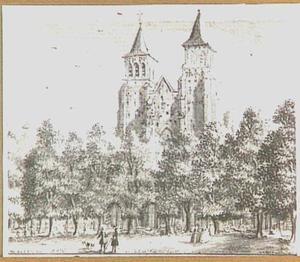De Walburgkerk en het Walburgplein te Arnhem