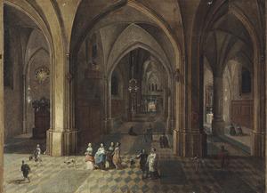 Interieur van een gothische kerk met elegante figuren en een hond