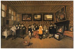 Portret van twaalf heren in een interieur met schilderijen