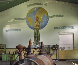Een leerbewerker voor een wereldbol