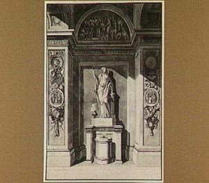 Priesteres bij offeraltaar in nis