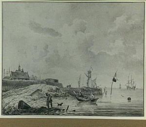 Schepen voor de kust met figuren en een vestingstad