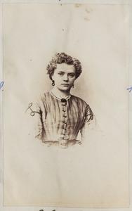 Portret van een vrouw, mogelijk een dochter van Broer Schuil (1805-1887) en Akke Zijlstra (1814-1884)