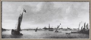 Schepen op de rede van Antwerpen, gezien vanuit het zuidwesten, vanaf de rechter oever van de Schelde