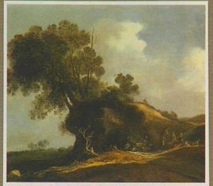 Heuvellandschap met rustende boeren langs een zonverlichte zandweg