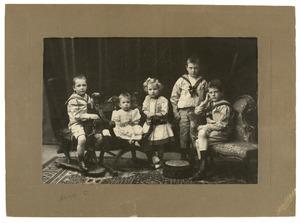 Portret van de kinderen van Daniel de Haan en Gerritje Pieternella Querngester