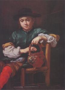 Een jongeman met aardewerk in zijn hand