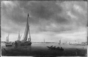 Riviergezicht met schepen; op de achtergrond een kerk (Beverwijk?)