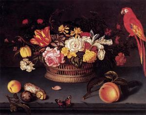 Stilleven met rieten mand met bloemen, vruchten, schelpen en een papegaai
