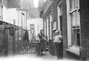 Hofje met woonhuisjes in Rotterdam