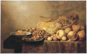 Stilleven met vruchten, boter en kaas op een tafel